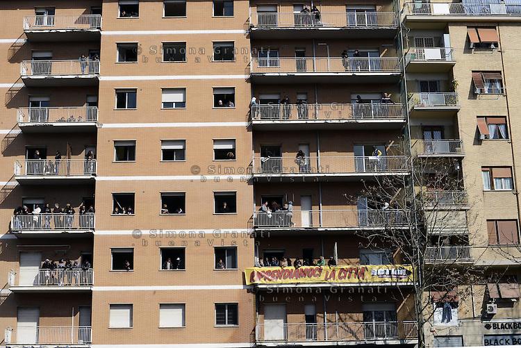 Roma, 6 Aprile 2013.I movimenti per il diritto all'abitare occupano contemporaneamente undici stabili abbandonati o inutilizzati..Nella foto il palazzo di Piazza Attilio Pacile, Garbatella