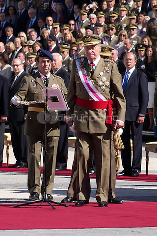 01.10.2012. The Spanish Royal Family, King Juan Carlos, Queen Sofia, Prince Felipe, Princess Letizia and Princess Elena attend the imposition of collective Distinguished Cross San Fernando Al Banner Armored Cavalry Regiment ´Alcántara´ No. 10 in the Royal Palace in Madrid, Spain. In the image King Juan Carlos of Spain (Alterphotos/Marta Gonzalez) /NortePhoto /MediaPunch Inc. ***FOR USA ONLY***