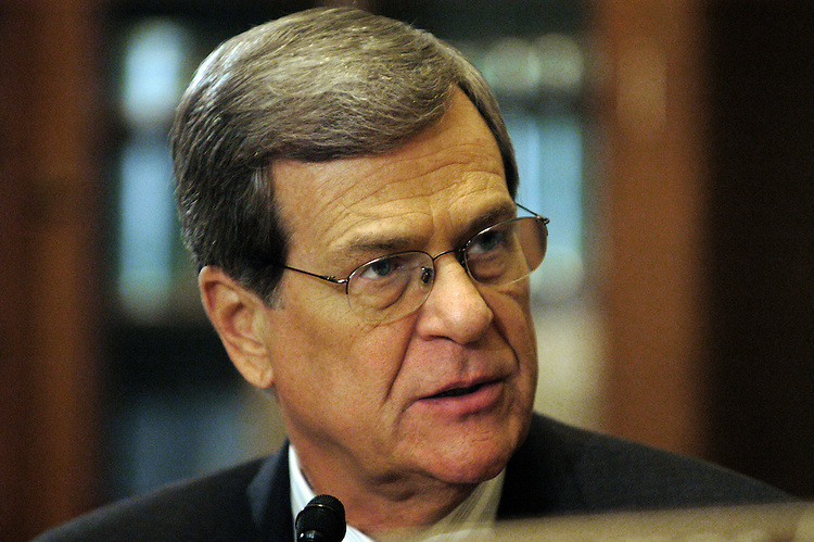 Chairman Trent Lott, R-Ms., at a Senate Rules full committee hearing on lobbying reform..