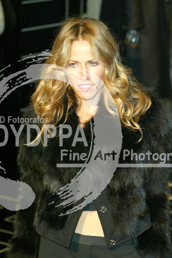 LONDON <br /> PICTURES BY: ROB KEARNEY/EAGLEPRESS<br /> PLEASE CREDIT ALL USES<br /> ----------------------------------<br /> SHERYL CROW AT THE VERSACE STORE RELAUNCH PARTY IN SLOANE STREET<br /> ----------------------------------<br /> CONTACT:  JAVIER MATEO <br /> 16 NORTH POLE ROAD<br /> LONDON W10 6QL<br /> MOBILE: +44 778651 4443<br /> EMAIL: photos@eaglephoto.co.uk