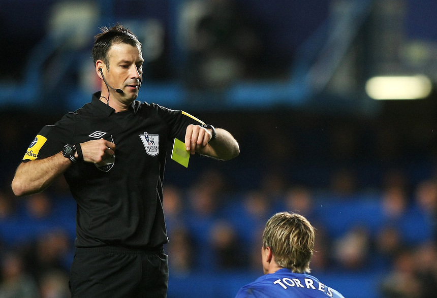 Chelsea's Fernando Torres is shown a second yellow card by Referee Mark Clattenburg..Football - Barclays Premiership - Chelsea v Manchester United - Sunday 28th October 2012 - Stamford Bridge - London..