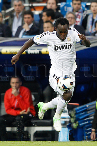 20.10.2012 Madrid, Spain.  La Liga football. Real Madrid CF vs  Celta (2-0) at Santiago Bernabeu stadium. The picture shows Michael Essien (Ghana midfieldes of Real Madrid)