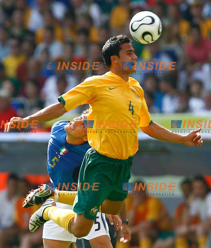 Kaiserslautern 26/6/2006 World Cup 2006 Ottavi di finale Italia Australia 1-0.Photo Andrea Staccioli Insidefoto.Tim Cahill Australia Fabio Cannavaro Italia