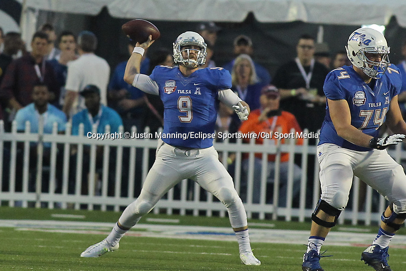December 26, 2015: Tulsa QB Dane Evans throwing downfield in the Camping World Independence Bowl at Independence Stadium in Shreveport, LA. Justin Manning/ESW/CSM