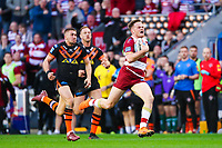Picture by Alex Whitehead/SWpix.com - 20/04/2018 - Rugby League - Betfred Super League - Wigan Warriors v Castleford Tigers - DW Stadium, Wigan, England - Wigan's Joe Burgess makes a break.
