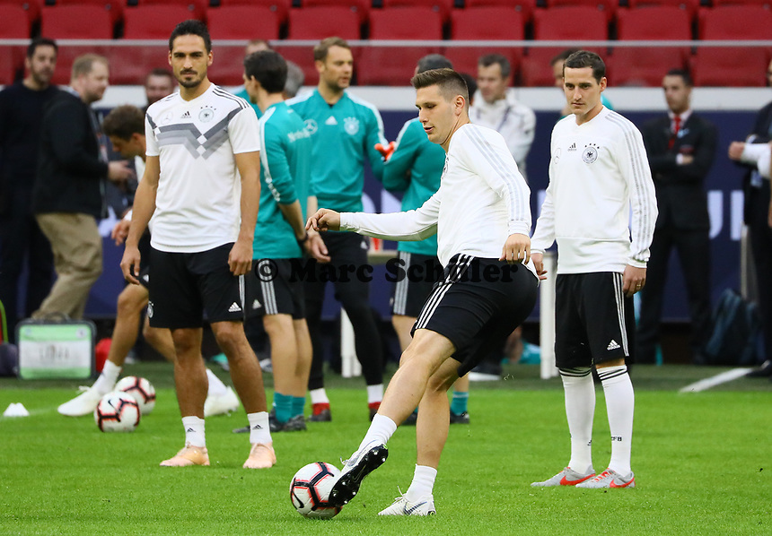 Mats Hummels (Deutschland Germany), Niklas Süle (Deutschland Germany), Sebastian Rudy (Deutschland, Germany) - 12.10.2018: Abschlusstraining der Deutschen Nationalmannschaft vor dem UEFA Nations League Spiel gegen die Niederlande