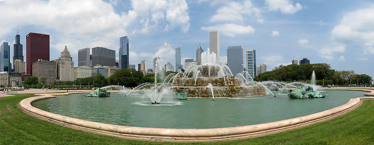 The Buckingham Fountain, located in the center of Grant Park in downtown Chicago, was dedicated in 1927, and is one of the largest fountains in the world. (DePaul University/Jamie Moncrief)