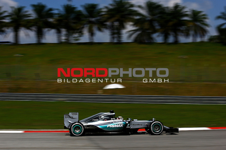 28.03.2011, Sepang-International-Circuit, Malaysia, MAL , Gro&szlig;er Preis von Malaysia / Kuala Lumpur, Training im Bild Lewis Hamilton (GBR), Mercedes GP<br /> for the complete Middle East, Austria &amp; Germany Media usage only!<br />  Foto &copy; nph / Mathis