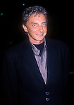 .BARRY MANILOW   9/21/2000.ATTENDS BARBRA STREISAND'S TIMELESS FAREWELL.CONCERTS, STAPLES CENTER, LOS ANGELES, CA..