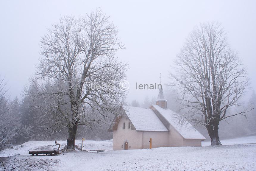 France, Haute-Savoie (74), Bellevaux, chapelle Saint-Bruno sous la neige // France, Haute Savoie, Bellevaux, chapel St Bruno and snow