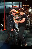 Jun 01, 2012: VAN HALEN - Staples Center Los Angeles USA