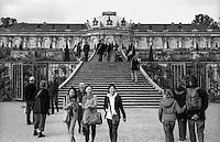 Potsdam, palazzo di Sanssouci e vigneto a terrazze --- Potsdam, Sanssouci palace and terraced vineyard
