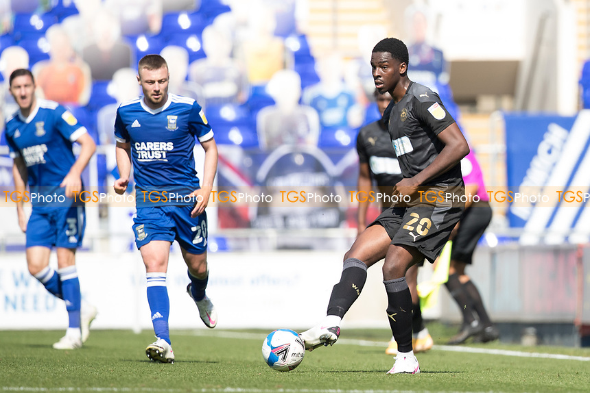 Emeka Obi, Wigan Athletic,  lays the ball off during Ipswich Town vs Wigan Athletic, Sky Bet EFL League 1 Football at Portman Road on 13th September 2020
