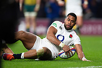 Joe Cokanasiga of England scores a try in the second half. Quilter International match between England and Australia on November 24, 2018 at Twickenham Stadium in London, England. Photo by: Patrick Khachfe / Onside Images