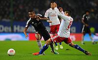 USSBALL   1. BUNDESLIGA    SAISON 2012/2013    10. Spieltag   Hamburger SV - FC Bayern Muenchen                    03.11.2012 Tomas Rincon (re, Hamburger SV) gegen Luiz Gustavo (li, FC Bayern Muenchen)