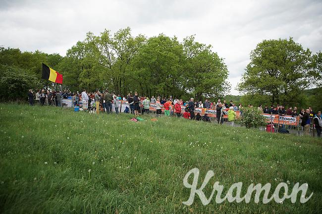 fans up La Redoute (max 22%) awaiting the peloton<br /> <br /> Liège-Bastogne-Liège 2014