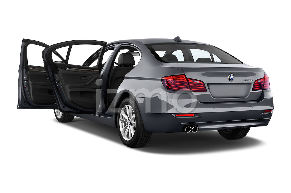 Car images of a 2015 BMW 5 Series 528i 4 Door Sedan Doors