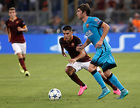Calcio, Champions League, Gruppo E: Roma vs Barcellona. Roma, stadio Olimpico, 16 settembre 2015.<br /> FC Barcelona&rsquo;s Sergi Roberto, right, is challenged by Roma&rsquo;s Iago Falque during a Champions League, Group E football match between Roma and FC Barcelona, at Rome's Olympic stadium, 16 September 2015.<br /> UPDATE IMAGES PRESS/Isabella Bonotto