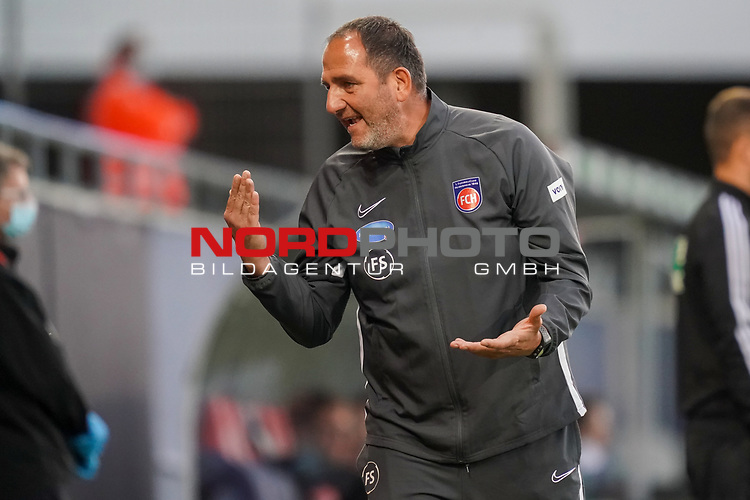 Frank Schmidt (1. FC Heidenheim 1846 #Trainer, Headcoach)<br /> <br /> <br /> Sport: nphgm001: Fussball: 1. Bundesliga: Saison 19/20: Relegation 02; 1.FC Heidenheim vs SV Werder Bremen - 06.07.2020<br /> <br /> Foto: gumzmedia/nordphoto/POOL <br /> <br /> DFL regulations prohibit any use of photographs as image sequences and/or quasi-video.<br /> EDITORIAL USE ONLY<br /> National and international News-Agencies OUT.