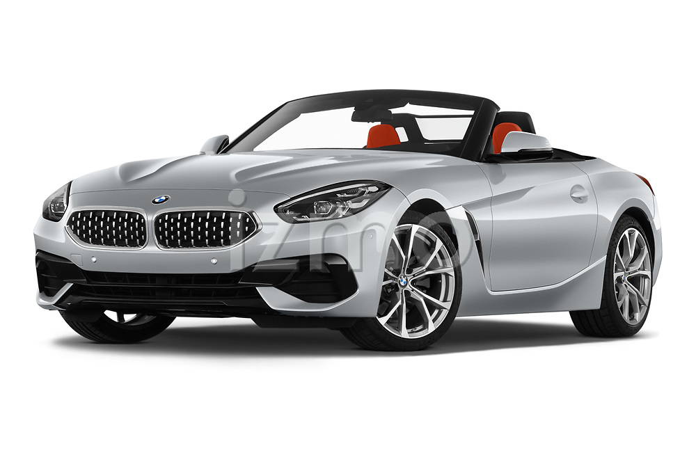 Stock pictures of low aggressive front three quarter view of 2019 BMW Z4 Sport 2 Door Convertible Low Aggressive