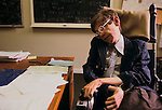 PROFESSOR STEPHEN HAWKING 1981. CAMBRIDGE UNIVERSITY ENGLAND 1980's . portrait