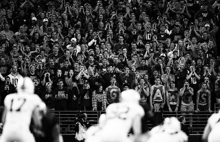 The Dawg Pack makes some noise.