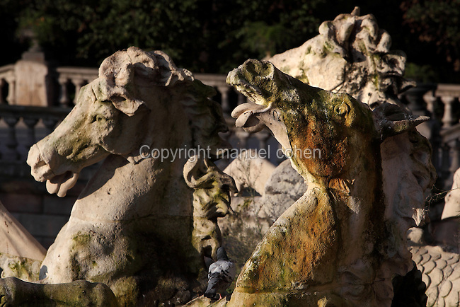 Seahorse sculptures, The Cascada, Parc de la Ciutadella, 1888, Barcelona, Catalonia, Spain. The flamboyant baroque style triumphal arch with waterfall and fountain known as the Cascada was designed by Josep Fontsere i Mestres (1829-97), assisted by a student, Antoni Gaudi (1852-1926), whose later works are some of Barcelona's most famous landmarks. Picture by Manuel Cohen
