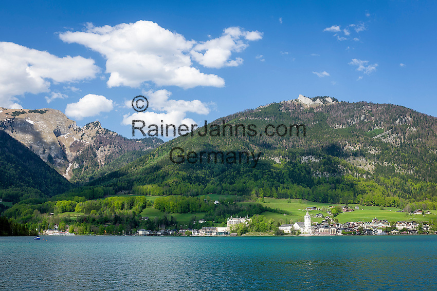 Austria, Upper Austria, Salzkammergut, St. Wolfgang at Lake Wolfgang with pilgrimage church St.Wolfgang | Oesterreich, Oberoesterreich, Salzkammergut, St. Wolfgang am Wolfgangsee mit der Wallfahrtskirche St.Wolfgang