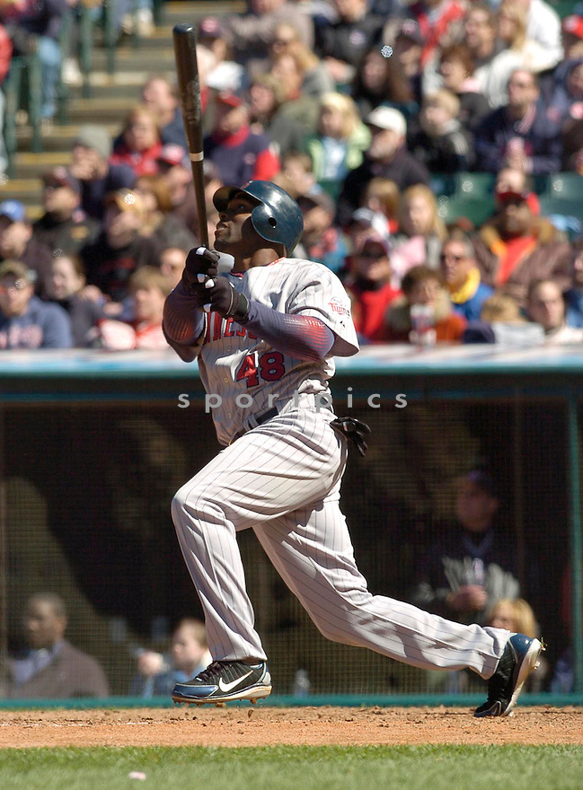 Torri Hunter of the Minnesota Twins, in action against the Indians on April 9, 2006...Indians win 3-2..David Durochik / SportPics.Torii Hunter