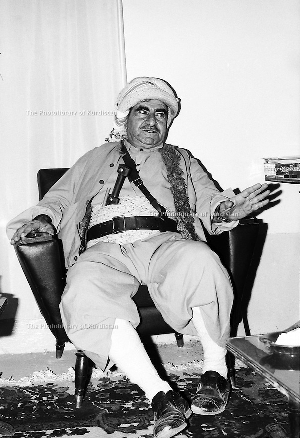 Irak 1973 Le general Mustafa Barzai dans son bureau de Haj Omran Iraq 1973 General Mustafa Barzani in his office of Haj Omran