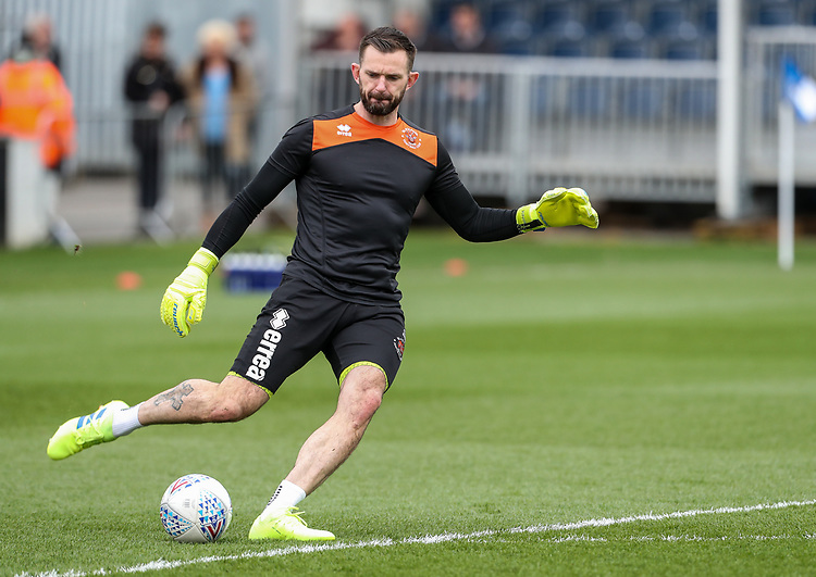 Blackpool's Mark Howard warming up before the match <br /> <br /> Photographer Andrew Kearns/CameraSport<br /> <br /> The EFL Sky Bet League Two - Bristol Rovers v Blackpool - Saturday 2nd March 2019 - Memorial Stadium - Bristol<br /> <br /> World Copyright © 2019 CameraSport. All rights reserved. 43 Linden Ave. Countesthorpe. Leicester. England. LE8 5PG - Tel: +44 (0) 116 277 4147 - admin@camerasport.com - www.camerasport.com