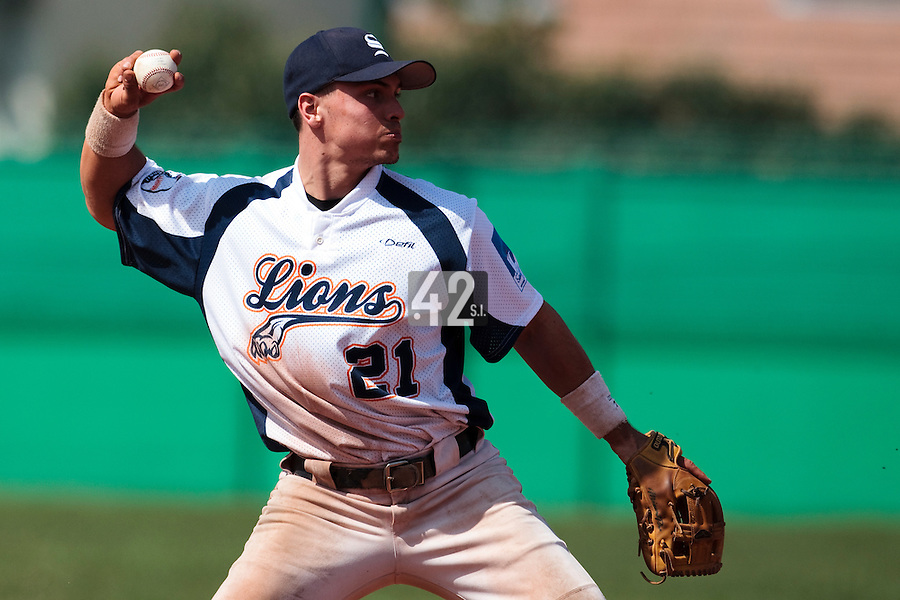 18 April 2010: Yann Dal Zotto of Savigny throws the ball to first base during game 1/week 2 of the French Elite season won 8-1 by Savigny (Lions) over Senart (Templiers), at Parc municipal des sports Jean Moulin in Savigny-sur-Orge, France.