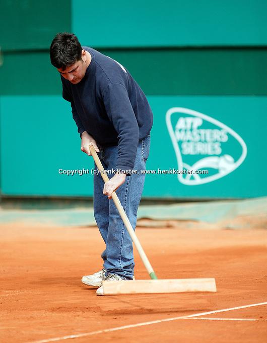 17-4-06, Monaco, Tennis,Master Series, Court maintenance