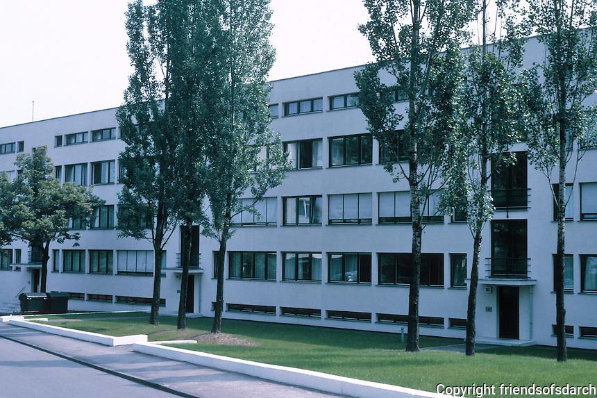 Stuttgart: Weissenhof Estate Apartment building, No. 14, 16, 18, 20 AM Weissenhof. Mies Van der Rohe.