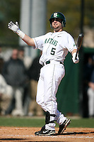 February 20, 2009:  Outfielder Johnny Lee (5) of Michigan State University during the Big East-Big Ten Challenge at Jack Russell Stadium in Clearwater, FL.  Photo by:  Mike Janes/Four Seam Images