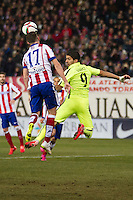 Atletico de Madrid´s Saul Niguez and Barcelona´s Luis Suarez during 2014-15 Spanish King Cup match between Atletico de Madrid and Barcelona at Vicente Calderon stadium in Madrid, Spain. January 28, 2015. (ALTERPHOTOS/Luis Fernandez) /nortephoto.com<br />