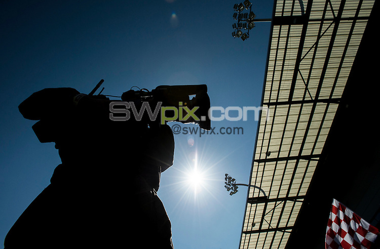 Picture by Allan McKenzie/SWpix.com - 18/04/2015 - Rugby League - Ladbrokes Challenge Cup - Leigh Centurions v Salford Red Devils - Leigh Sports Village, Leigh , England - Cameraman, silhouette.