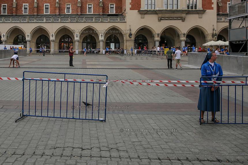 World Youth day Krakow 2016<br /> una suora controlla gli ingressi al concerto