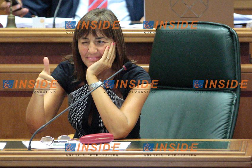 Ranata Polverini fa il segno ok.Roma 21/09/2012 Convocazione ordinaria del Consiglio Regionale della Regione Lazio.Photo Samantha Zucchi Insidefoto