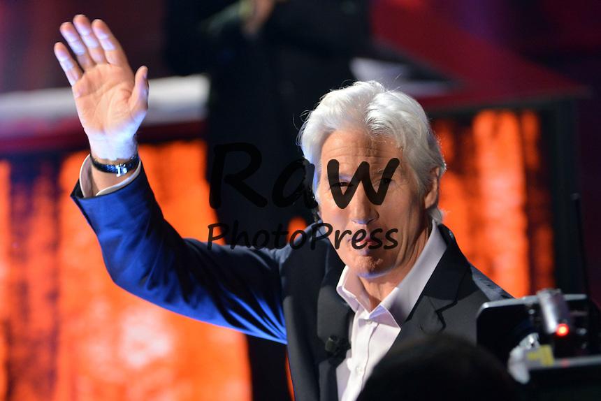 Richard Gere ha visitado el programa 'Che tempo che fa' en Mil&aacute;n.<br /> <br /> Milano, Trasmissione Tv &quot;Chet tempo che f&quot; Rai3, nella foto: Richard Gere