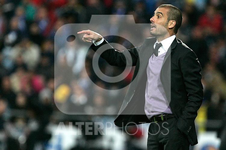 Barcelona's Pep Guardiola during La Liga match, April 18, 2009. (ALTERPHOTOS/Alvaro Hernandez).