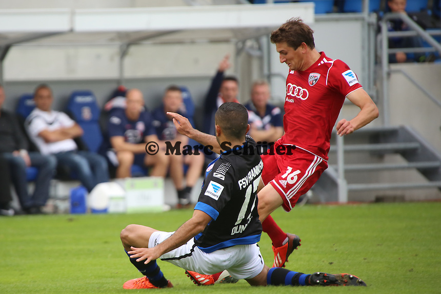 Andreas Buchner (Ingostadt) zieht ab, Joan Oumari (FSV) blockt ab - FSV Frankfurt vs. FC Ingolstadt, 8. Spieltag, Frankfurter Volksbank Stadion