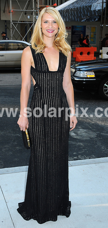 **ALL ROUND PICTURES FROM SOLARPIX.COM**.**SYNDICATION RIGHTS FOR UK, AUSTRALIA, DENMARK, PORTUGAL, S. AFRICA, SPAIN & DUBAI (U.A.E) ONLY**.arrivals at the 2009 CFDA Fashion Awards, Alice Tully Hall, Lincoln Center, New York City, NY, USA. 15 June 2009.This pic: Claire Danes..JOB REF: 9260 PHZ (Wild1)  DATE: 15_06_2009.**MUST CREDIT SOLARPIX.COM OR DOUBLE FEE WILL BE CHARGED**.**ONLINE USAGE FEE GBP 50.00 PER PICTURE - NOTIFICATION OF USAGE TO PHOTO @ SOLARPIX.COM**.**CALL SOLARPIX : +34 952 811 768 or LOW RATE FROM UK 0844 617 7637**