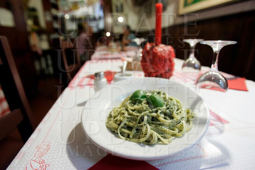 Un piatto di bavette al pesto nella Trattoria Il Mulattiere, a Sanremo.<br /> Bavette with pesto sauce at the Trattoria Il Mulattiere in Sanremo.<br /> UPDATE IMAGES PRESS/Riccardo De Luca
