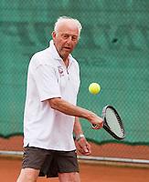 Netherlands, Amstelveen, August 18, 2015, Tennis,  National Veteran Championships, NVK, TV de Kegel,  Men's 85 years +,   Tertius Olff<br /> Photo: Tennisimages/Henk Koster