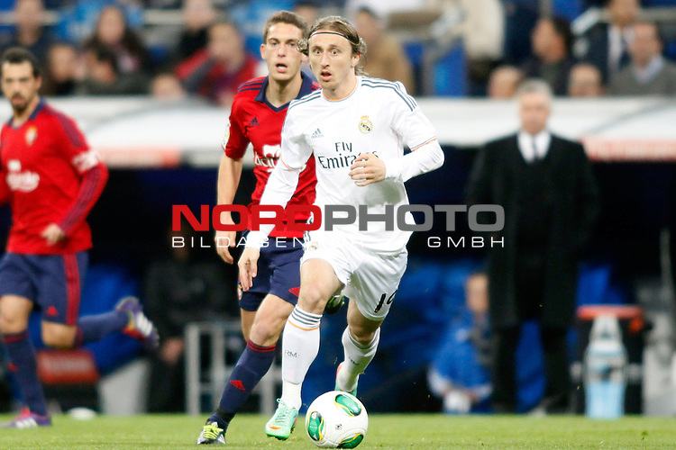 Real Madrid¬¥s Luka Modric during a Spain King Cup soccer match between Real Madrid and Osasuna at Santiago Bernabeu Stadium in Madrid, Spain. January 09, 2014. Foto © nph / Caro Marin)