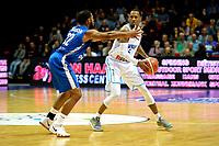 GRONINGEN - Basketbal, Donar - Fribourg, tweede voorronde Champions League, seizoen 2018-2019, 25-09-2018,  Donar speler Teddy Gipson met Fribourg  speler  Justin Roberson