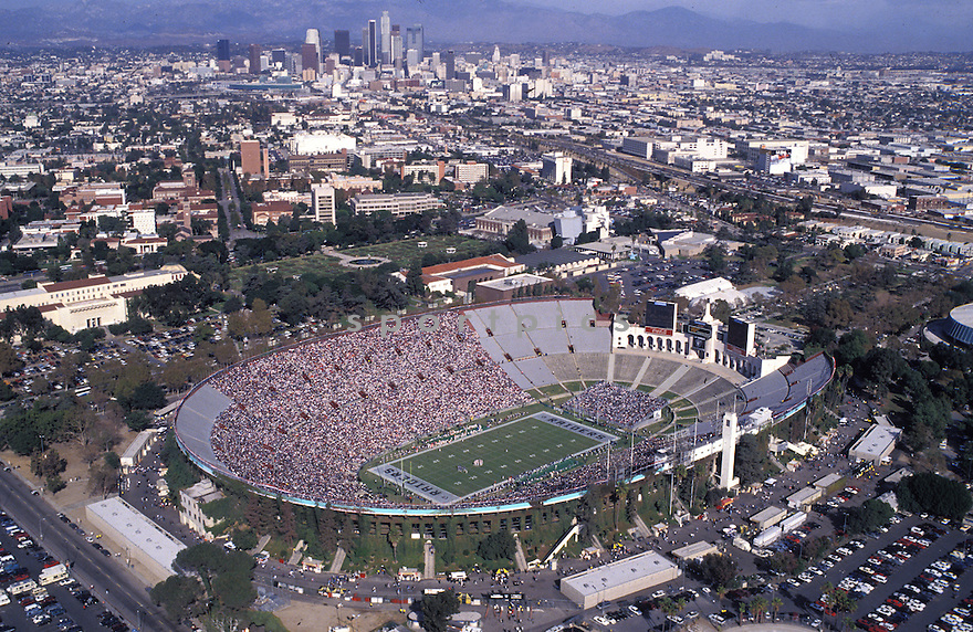 Overall of the Los Angeles Memorial Coliseum in Los Angeles, California home field on the Los Angeles Raiders during a game against the Kansas City Chiefs on November 14, 1993.The Chiefs beat the Raiders 31-20.David Durochik/SportPics
