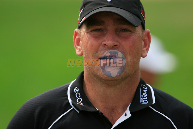 Thomas Bjorn walks up to the 11th tee during Thusday Day 1 of the Abu Dhabi HSBC Golf Championship, 20th January 2011..(Picture Eoin Clarke/www.golffile.ie)