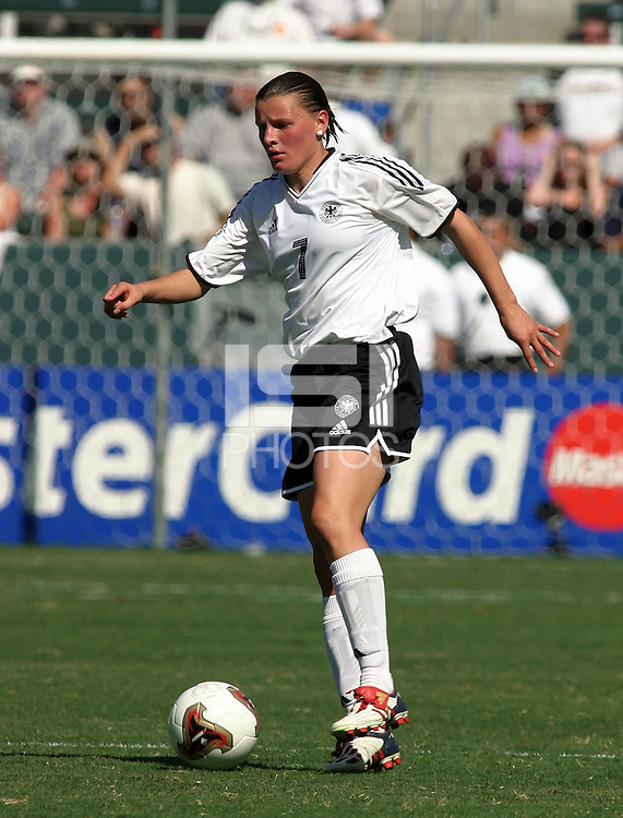 Pia Wunderlich, Germany 2-1 over Sweden at the  WWC 2003 Championships.